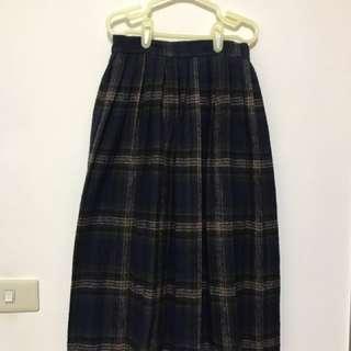 及膝格子裙