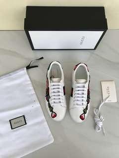 Gucci Floral Ace Sneaker#1   SuperMirror, size 35-40   . Dijamin Baguss Banget.   insole : 35= 22.5cm 36= 23cm 37= 23.5cm 38= 24cm 39= 24.5cm 40= 25cm.  Berat 800gr  H 800rb