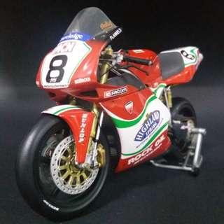 Minichamps 1:12 Scale Ducati 998R Michael Rutter BSB 2002 Team Renegade  金屬 合金 模型電單車 (used)