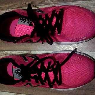 New Balance- Speed Run Womens Running Shoes