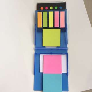 2 sets of sticky tabs / sticky notes