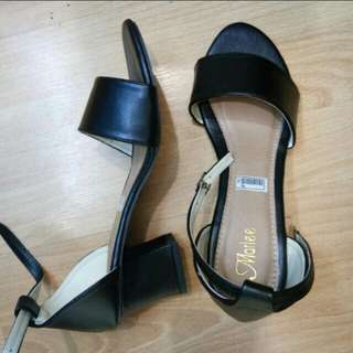 Sepatu/wedjes/hels