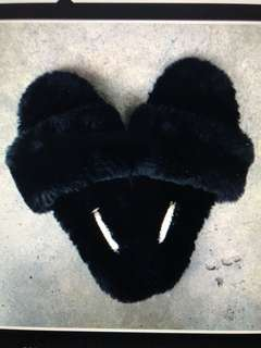 Zahlii Sleep Black Slippers