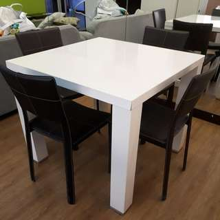 WHITE SQUARE DINING TABLE (CHAIRS NOT INCLUDED)