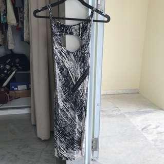 Dress with zip