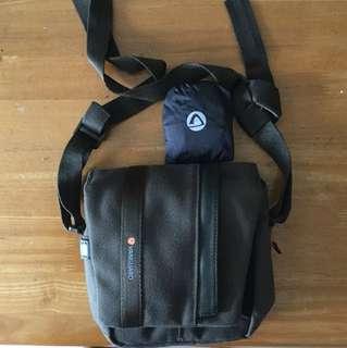 Vanguard bag with rain cover