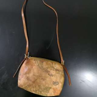 Alviero Martini Sling Bag