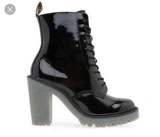 DR MARTENS Kendra boots