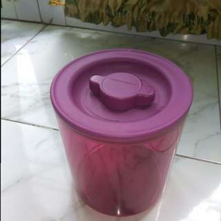 Toples tupperware bening