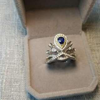 💎sapphire Ring👑天然藍寳石純銀鍍18K白金戒指🌠皇冠款式baby款婚戒🌠主石4x5mm晶體通透開口圈🌠高精工鑲嵌