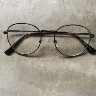 Black metal frame spectacles