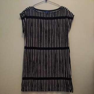 全新Marimekko 黑白色直紋毛巾質地長身上衣