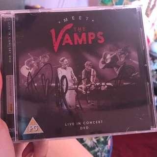 THE VAMPS ALBUM (WITH SIGNATURE!)