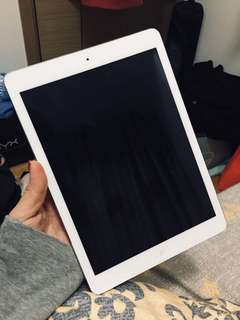 iPad Air 16GB Wifi 95% new with case 連機殼