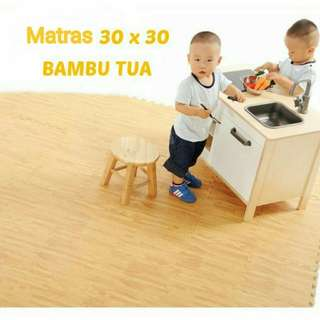 Matras uk 30 x 30 isi 8