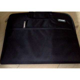 Okade Laptop Bag