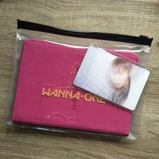 [WTT] Wanna one fan con passport wallet Sungwoon lenticular photocard