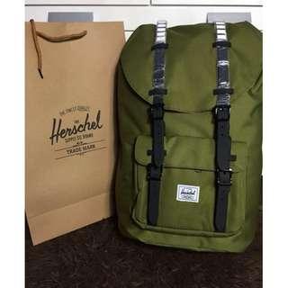 Herschel Little America 23.5 L - Olive Green
