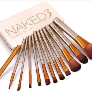 Naked 3 Brush