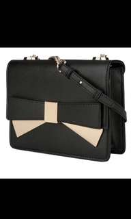 CHARLES AND KEITH Gold Bow Black Chain Bag