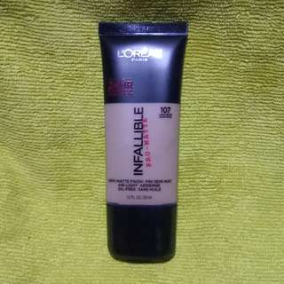 Liquid foundation INFALLIBLE by L'Oreal