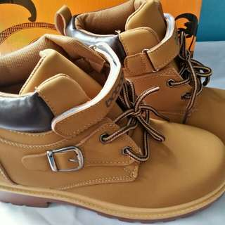 Sepatu boots anak laki laki inport
