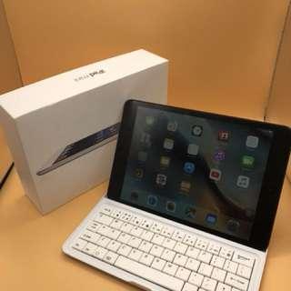 iPad Mini Space Grey 16GB wifi model iOS 9.3.5 with bluetooth keyboard