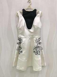 Sissae White Dress