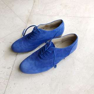 Electric blue oxford size eu 37