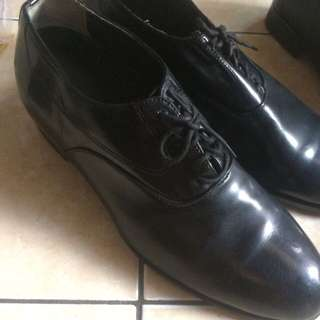 Sepatu kantor