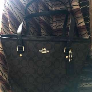 Coach Shoulder Bag for Ladies