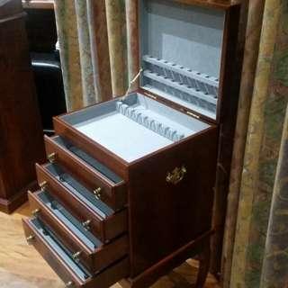 Cabinet Antique Replica Cutlery