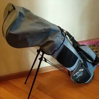 Callaway bag with golf clubs