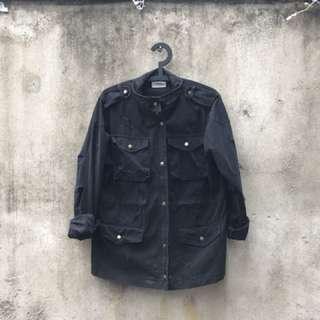 黑色軍裝夾克外套
