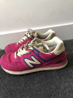 New Balance Retro Shoes Size 7