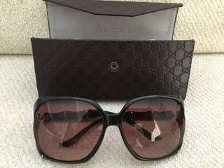 Authentic GUCCI sunglasses, very good condition (pre-loved)