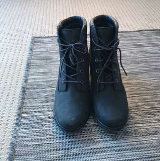 Timberland black women's heels boots