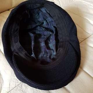 Uniqlo wool black beret