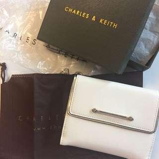 Charles & Keith 銀包 全新連盒 塵袋 牌