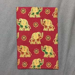 🚚 酒紅色 手工布質 大象護照套