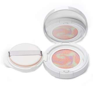 First Aid Beauty Hello FAB 3-in-1 Superfruit Colour Correcting Cushion