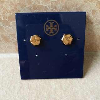 Tory Burch 金色 Logo 小耳環