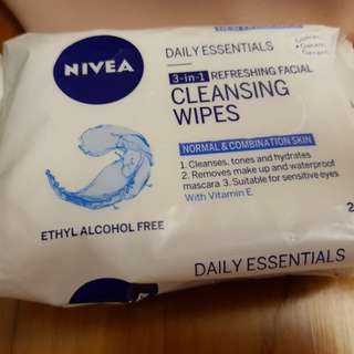 Nivea 3-in-1 makeup facial cleansing wipes
