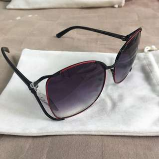 Brand new mod with red rim gradient lens sunglasses shades with pouch