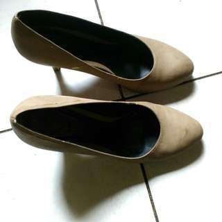 Pump Shoes - Beige