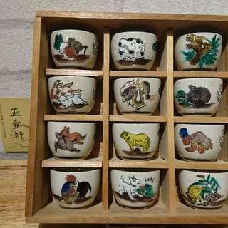 🚚 日本九谷燒、12生肖杯子