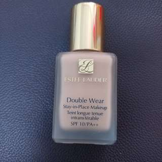 Estee Lauder Double Wear 粉底液 (1W2 Sand)