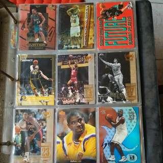 籃球明星卡。200多張不同卡(包括SHAQUILLE O,NEAL  KOBE BRYANT  MICHAEL JORDAN)