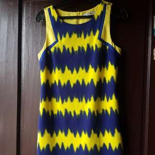 Branded dress MEDIUM. ( Young Thread) prelovrd