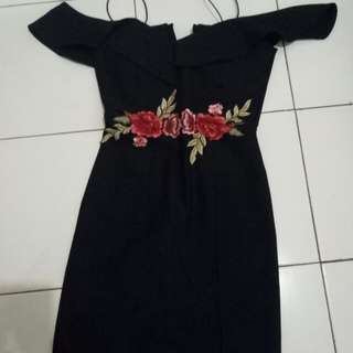 Dress embroidered midi selutut